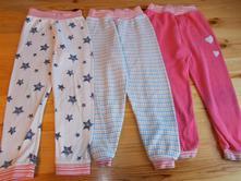 Dvě, tři kvalitní bavlněná dětská pyžama, 92