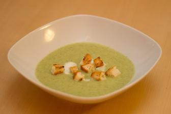 Brokolicový krém, krutonky