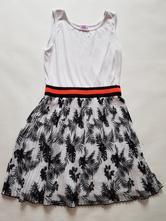 Zajímavé šaty, f&f,134
