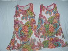 2 šaty, 122