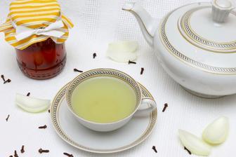Cibulový čaj se zázvorem