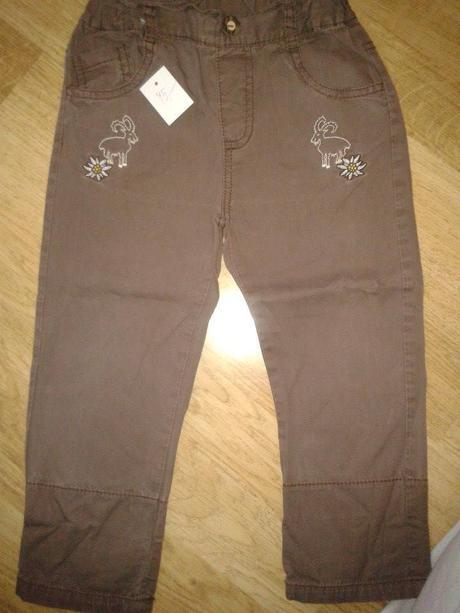 Hnědé kalhoty s kozama, 92