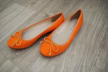 Oranžové balerínky, 36