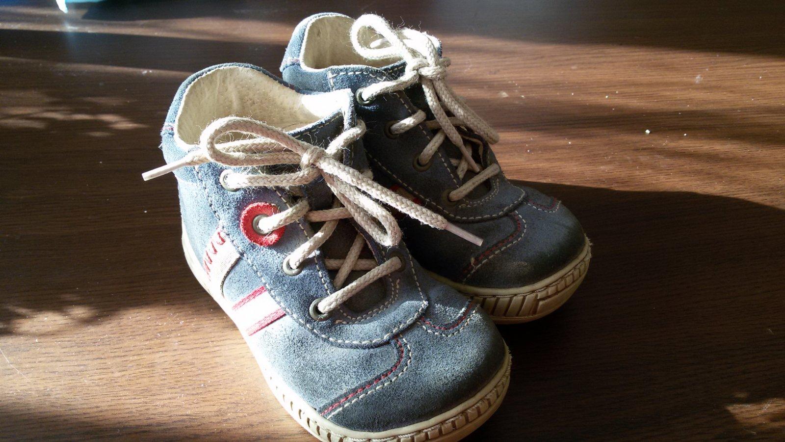 6f9d3bd3592 Celoroční boty