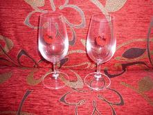 Sklenky na víno,