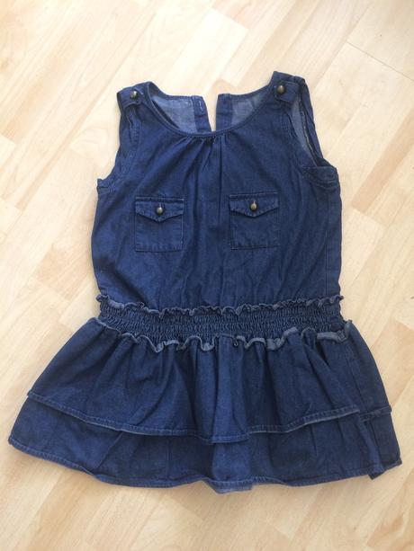 Džínové šaty, 122