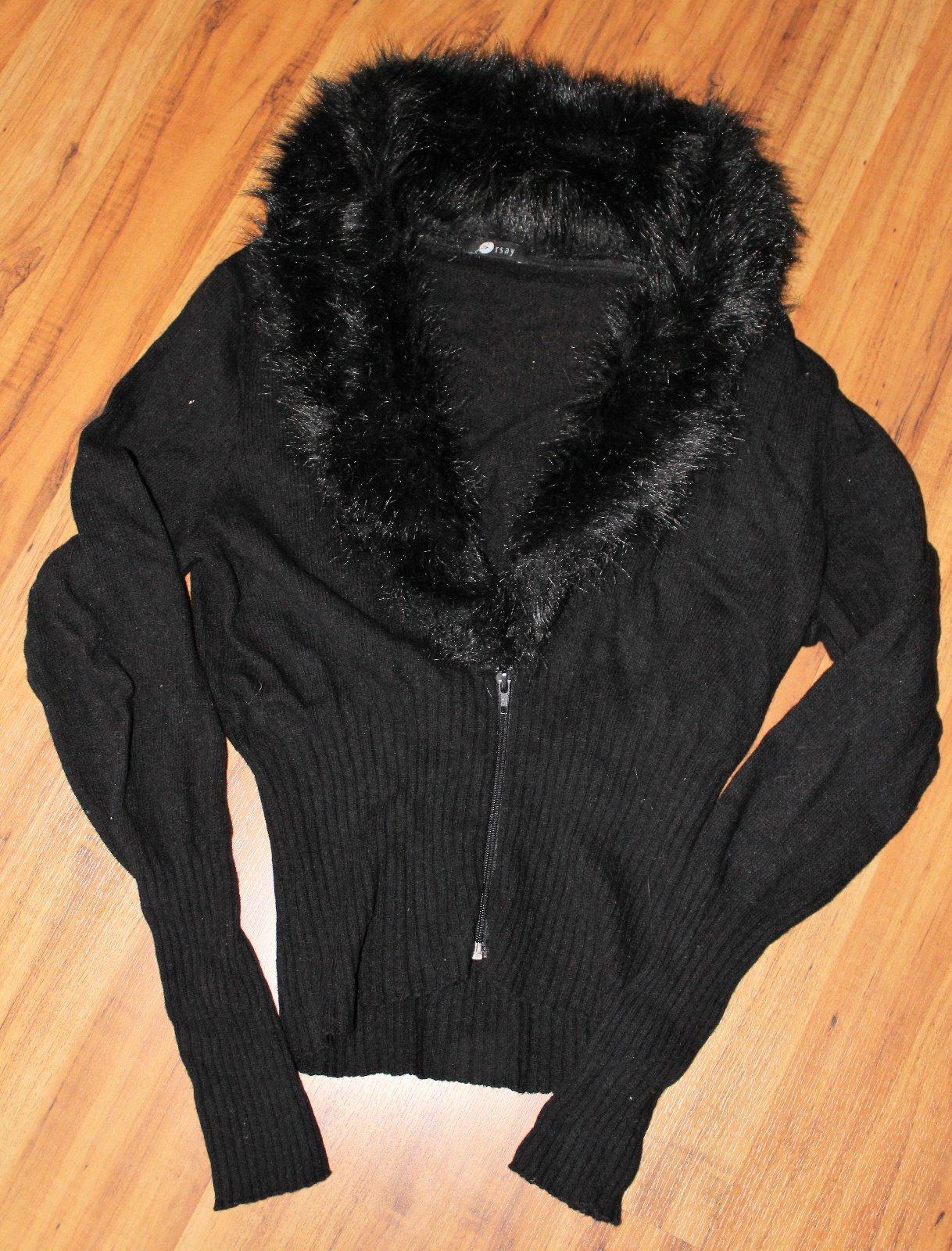 Černý svetr s kožešinkou 57aa6dcbb8