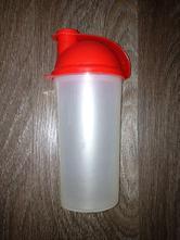 Plastový šejkr,