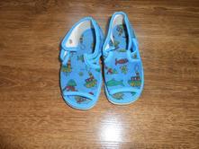 Bačkorky  sandálového typu, 21