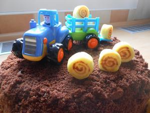 miluje traktory a balíky:)