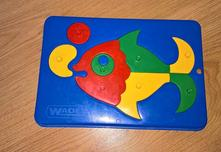 Plastové puzzle,
