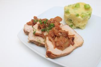 Vepřová pečeně na tymiánu  se šťouchanými brambory