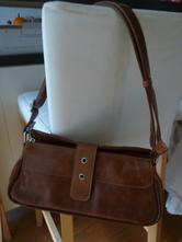 Malá kožená kabelka,