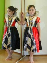 Karnevalové šaty královna z alenky v říši divů,