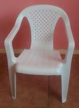 Dětská plastová židlička,