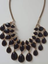 Krásný černo-zlatý náhrdelník,