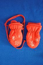 Červené rukavičky - 3, 80