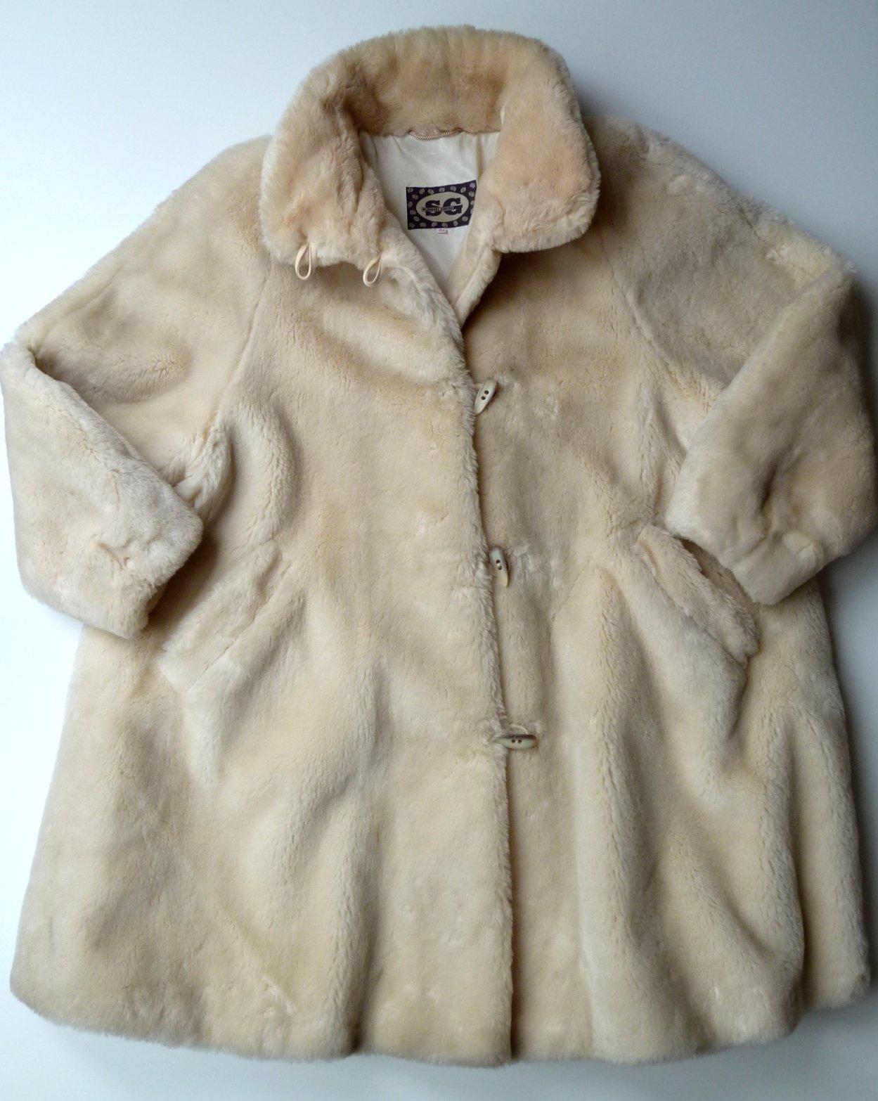 e3cda1522df Dámský kožešinový kabát kožich vel. 36-38   s-m