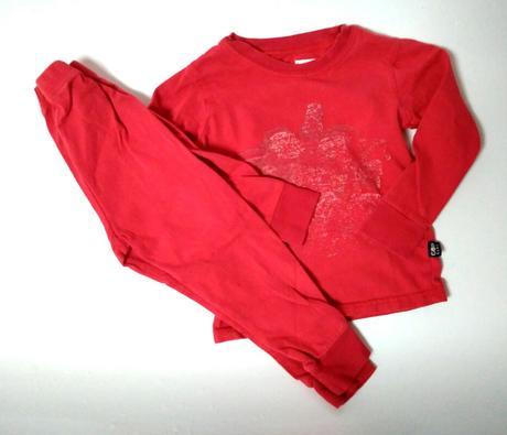 M275 - červené pyžamo, 80