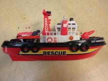 B26      loď délka 24 cm,
