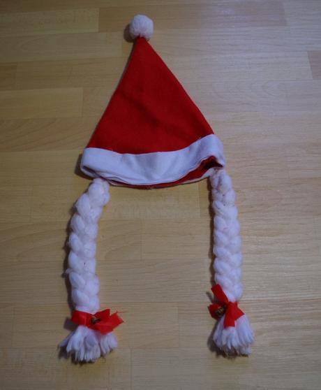 Čepice vánoční s copy,