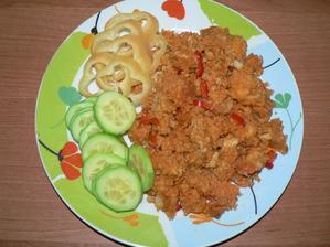 OBĚD: kuskus s paprikami a rajčaty, zelenina