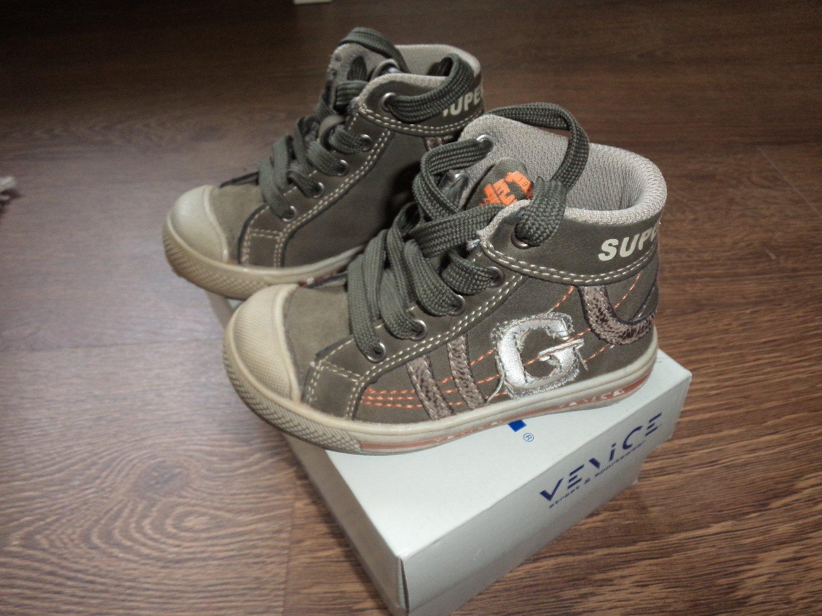 42efeabdfe0 Kotníkové boty