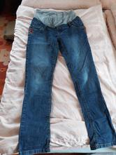 Těhotenské kalhoty, 40