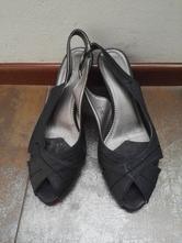 Černé sandálky na jehlovém podpatku, 37