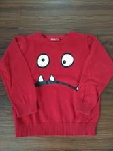 Červený svetr, okay,104