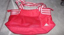 Sytě růžová střední sportovní kabelka adidas,