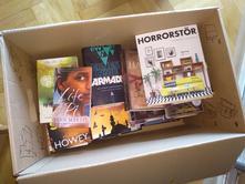 Krabice knih v angličtině - prodám i jednotlivě,