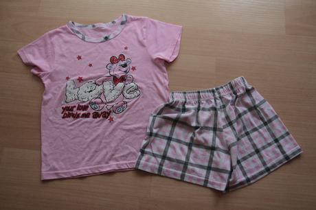 Letní pyžamo, 110