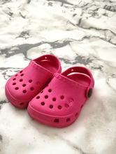 Gumové boty typu crocs, 19
