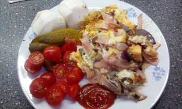 vajíčka se šunkou a zelenina :-)