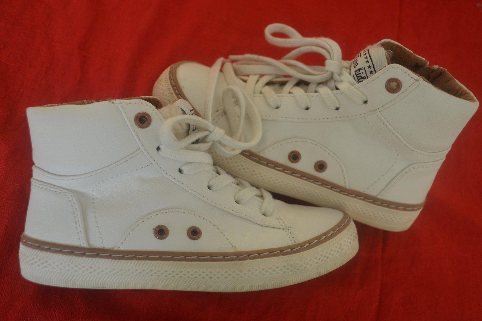 38a10a11d5 Sportovní kožené boty zara 28 29