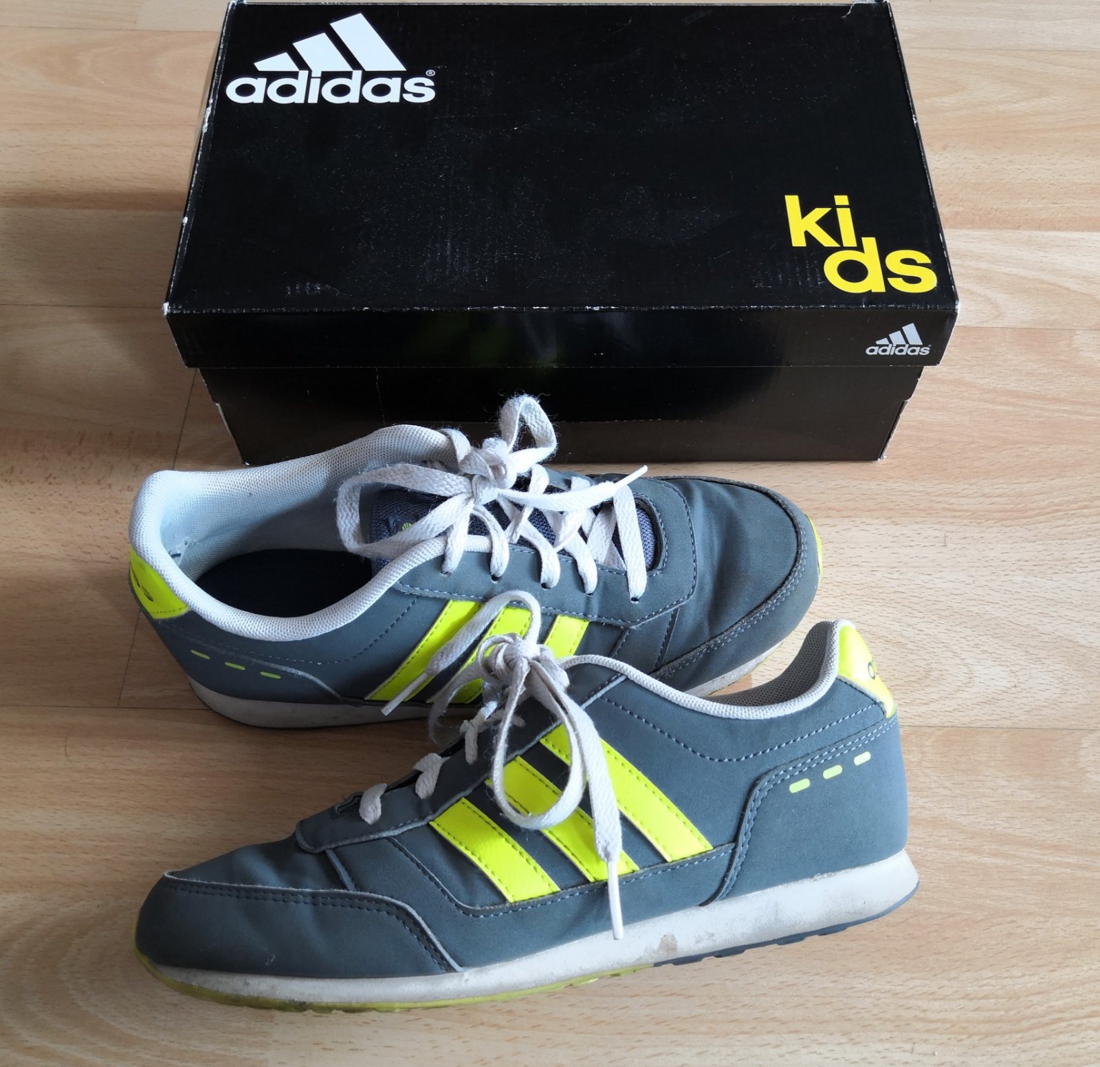 Boty & tenisky adidas vel. 35, adidas,35 - 255 Kč Od ...