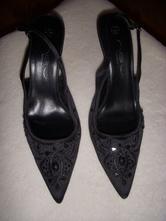 Společenské boty, 39