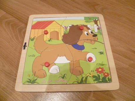 Dřevěné puzzle pejsek,