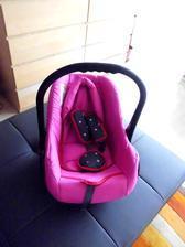 Autosedačka vajíčko pro cestování s dítětem