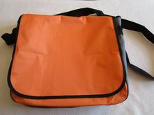 9eea542e32 Pěkný lehký oranžovošedý batoh-brašna přes rameno