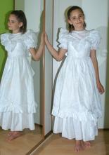 Dlouhé šaty družička, anděl, dvorní dáma...,