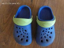 Crocs, 23