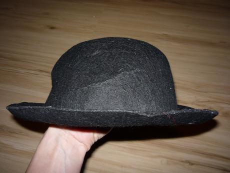 Vyztužený černý klobouk, m
