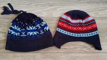 Dvě středně teplé čepice vel.110-116, 110