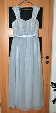 Plesové šaty, 44