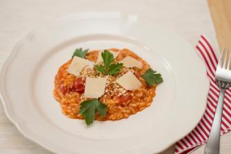Rajčatové rizoto s křupavou strouhankou