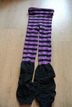 Fialovo-černé punčocháče, 116