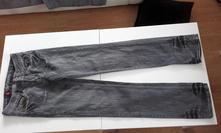 Šedé džíny, 164