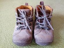 Kožené kotnikove boty vel.24, clarks,24